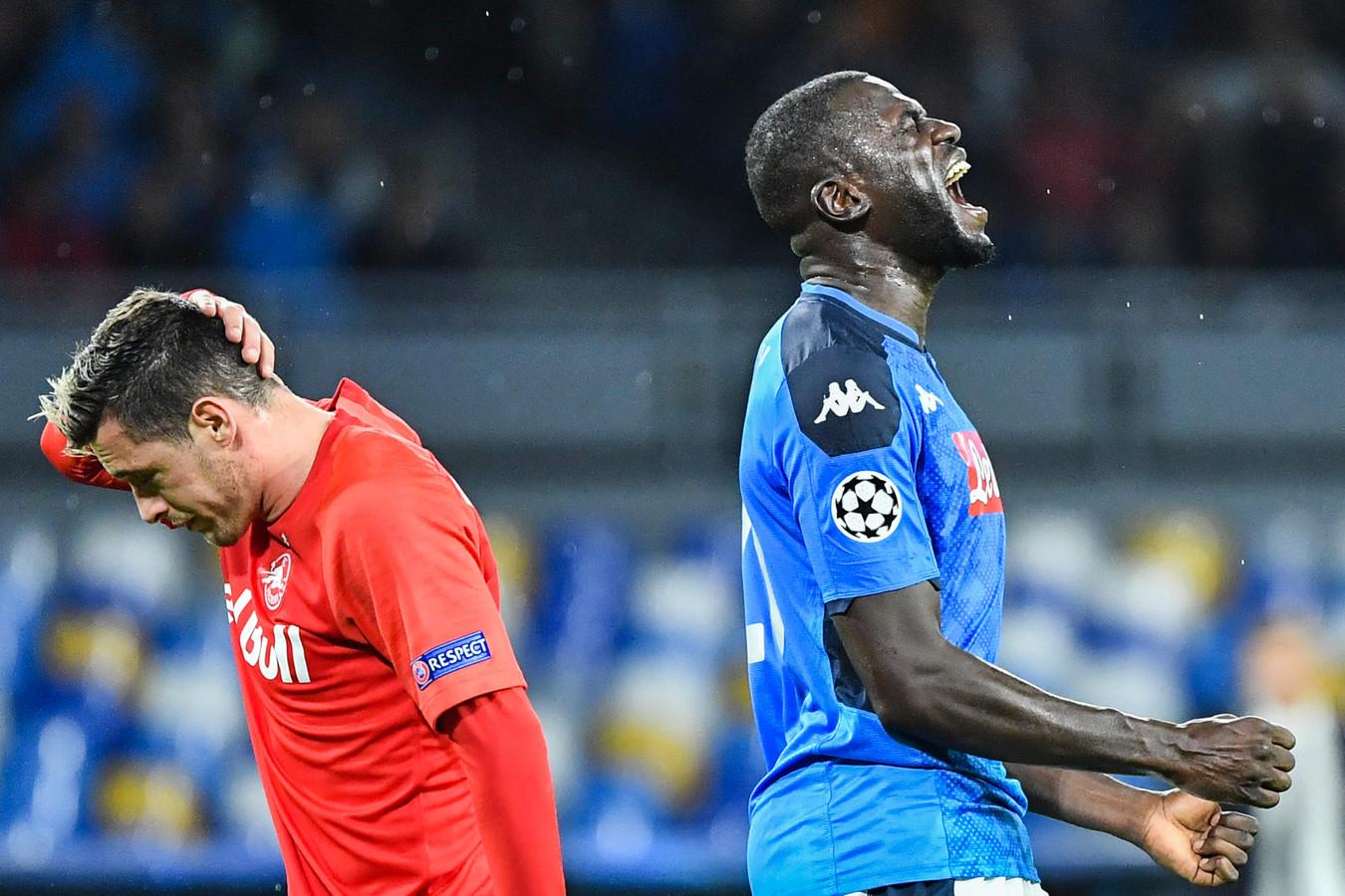 Koulibaly schreeuwt het uit nadat hij een penalty heeft veroorzaakt die tot de 0-1 van Salzburg leidde.