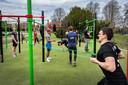 Drukte in het fitnessparktje in het Goffertpark tijdens de eerste lockdown in maart 2020. Archieffoto