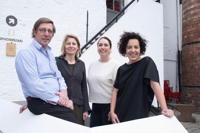 Charles Leclef, Greet Geypen, Ellen De Weerdt en Gabriella De Francesco in Het Anker.