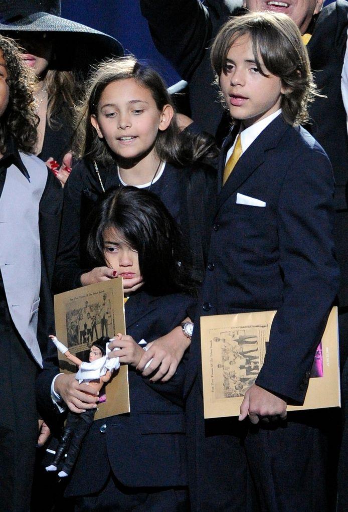 Blanket, Paris en Prince zijn op de begrafenis van hun vader in 2009.