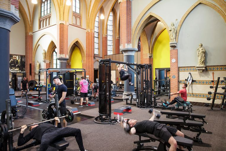 In Zeilberg, in de gemeente Deurne wordt gesport in de kerk.  Beeld Lars van den Brink