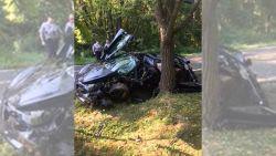 Man koopt McLaren van 300.000 dollar, maar knalt hem volgende dag tegen boom