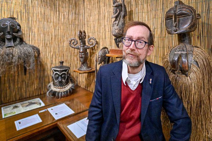 Moeten de Afrikaanse voorwerpen uit het museum in Oudenbosch terug naar het land van herkomst? Directeur Marcel Deelen vertelt zijn visie