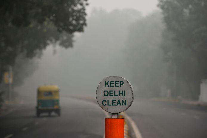 Une brume nauséabonde et écoeurante emprisonnait toujours la capitale indienne ce lundi.