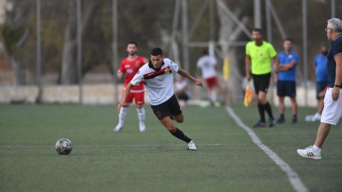 Yassine Mejres in het shirt van het Maltese Luqa.