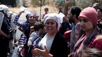 Migranten demonstreren tegen ondraaglijke toestanden in vluchtelingenkamp van Moria