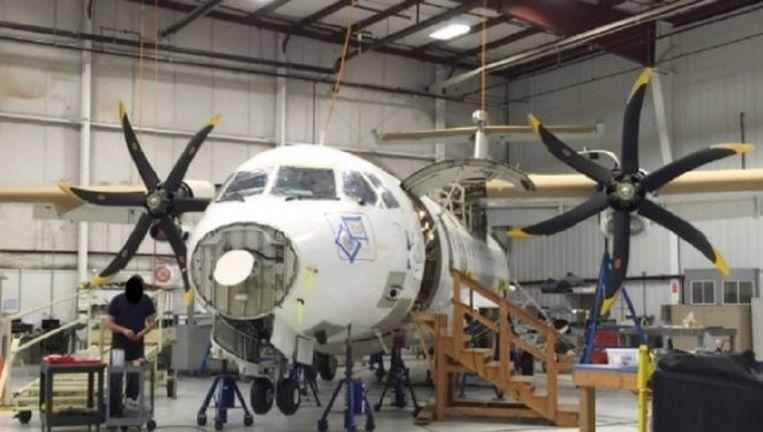 Het ATR 42-500 vliegtuig dat de Amerikaanse drugsbestrijdingsdienst DEA in Afghanistan wilde inzetten, maar nog altijd in een hangar in Delaware staat. Beeld US Department of Justice