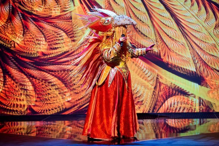 De vuurvogel in The Masked Singer Beeld RTL4