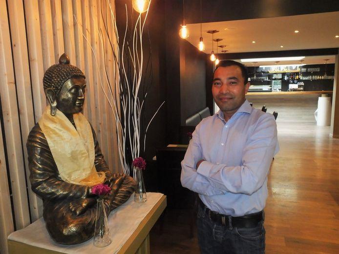 Santosh Pradhan (41) in zijn gloednieuwe zaak Eosu Sushi en Grill.