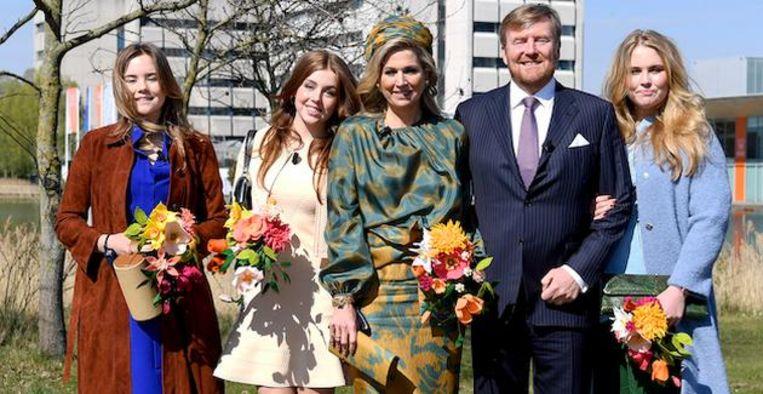 Prachtig: Koninklijk huis deelt feestelijk familiekiekje van Oranjes Beeld BrunoPress