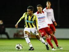 Zwalkend Jong Vitesse wacht zware degradatiestrijd