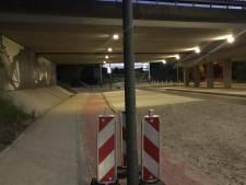 Nieuwe lantaarnpaal midden op Heerlens fietspad gezet