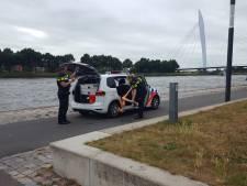 Politie 'redt' paspop uit Amsterdam-Rijnkanaal