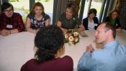 Koningin praat met kwetsbare jongeren