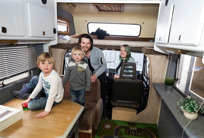 De familie Everink vertrekt vanuit Groenlo naar Zweden.