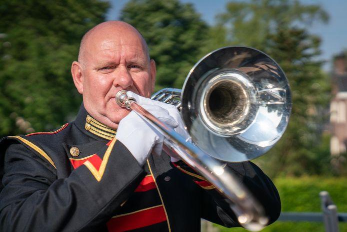 """Sjaak van de Sant. ,,Nu speel ik schuiftrombone en dat bevalt me geweldig."""""""