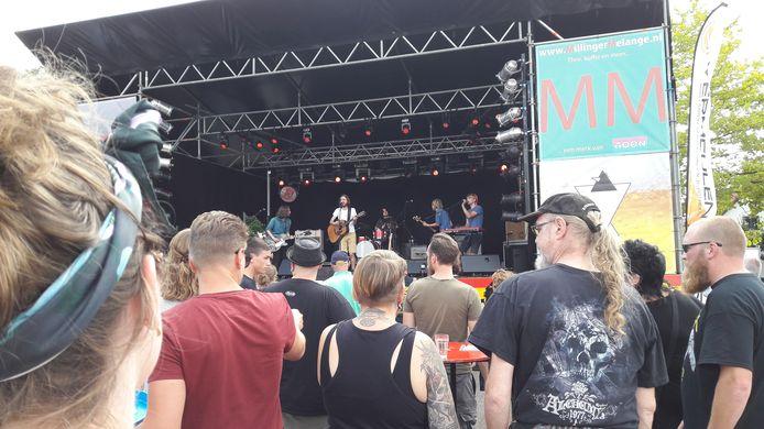 Polderpop Leuth, een kleinschalig festival waar niettemin grote namen op het podium stonden.