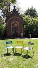 Losse stoelen in stadspark Mariënburg