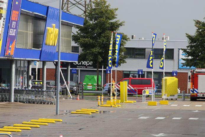 De Makro in Dordrecht werd ontruimd.
