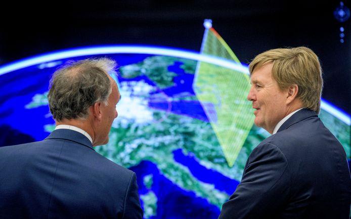 Koning Willem-Alexander bezocht de Hengelose vestiging van Thales in 2018.