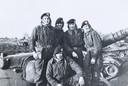De mannen toen: Boven,  v.l.n.r. Kobes Jonk, Ferd Bruijniius, Rut van de Groep en Jan Wilbers. Onder: Piet Oudshoorn.