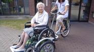 """WZC Maria Boodschap zoekt vrijwilligers voor rolstoelfiets: """"Tochtje in buitenlucht doet bewoners écht goed"""""""
