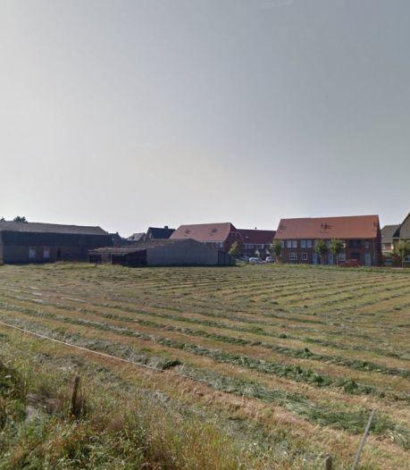 Oude grondeigenaar mag vier woningen bouwen op erf van boerderij aan Huurlingsedam