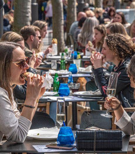 Horeca in Zwolle betaalt het hele jaar geen terrasbelasting