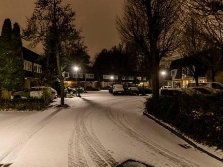 Sneeuw in Brabant: ook zondagochtend nog code geel vanwege spekgladde wegen