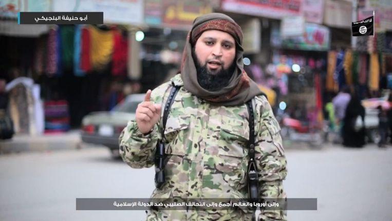 Hicham Chaïb, een Belgische Syriëstrijder, eiste eind maart de aanslagen van Brussel op in een IS-video Beeld RV