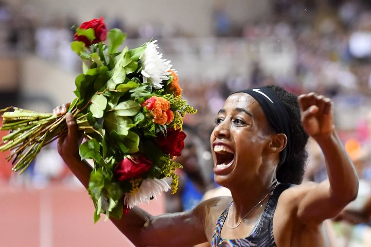 Sifan Hassan liep op 12 juli een wereldrecord op de mijl in Monaco. Beeld BSR Agency