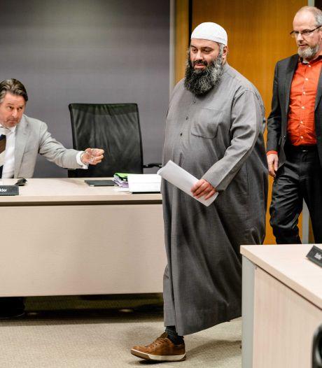 Loog omstreden Utrechtse imam Salam onder ede? Dat blijft een raadsel