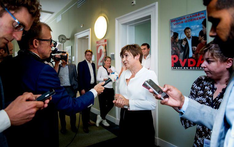 2018: als Kamerlid reageert Ploumen op de crisissituatie rond toenmalig bestuursvoorzitter van de stichting Limburgs Voortgezet Onderwijs Andre Postema, tevens senator voor de PvdA. Beeld ANP