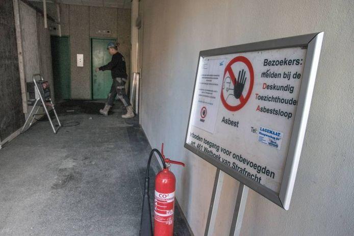 Er moet nog meer asbest opgeruimd worden aan de Zeven Alleetjes.