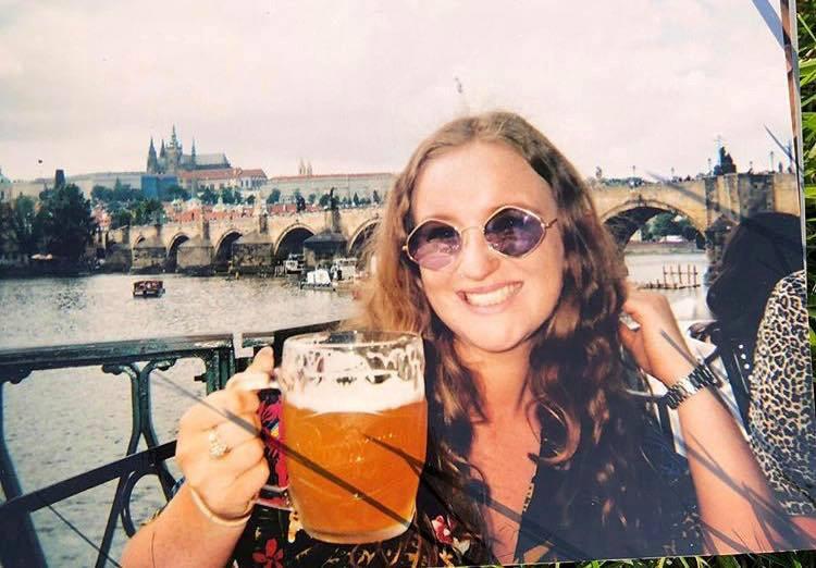 Amelia Bambridge in juli dit jaar in Praag.
