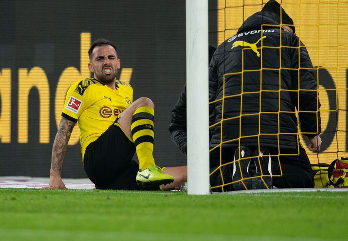 Paco Alcacer bleef met maagklachten achter in Duitsland.