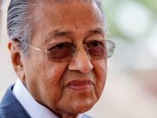 Schoonvader Dennis Verbaas scoort punten met bezoek aan sultan Johor