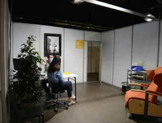 """Leuvense jongeren koploper in vaccinaties: """"Uitstekend nieuws, zeker nu het schooljaar weer bezig is"""""""