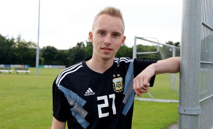 Met drie doelpunten had Nick van Belois een groot aandeel in de 7-1-zege van Groede.