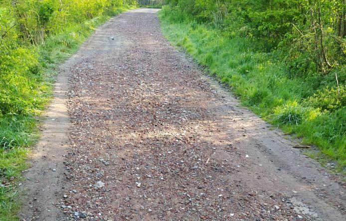 Dit puin mag ook niet gebruikt worden als wegverharding.