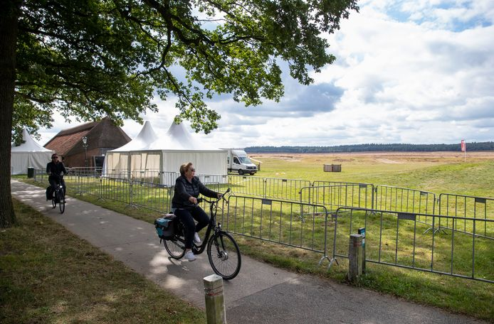 Donderdag kwamen tientallen dagjesmensen alvast een kijkje nemen bij de Ginkelse Heide.
