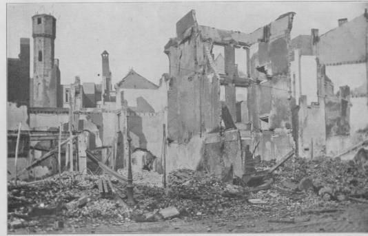 Het verwoeste geboortehuis van kunstschilder David Teniers.
