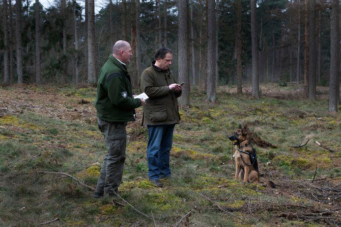 Boswachters houden extra toezicht op loslopende honden nu het broedseizoen is aangebroken. Dat zal vaak tot boetes leiden, zoals vandaag al gebeurde.