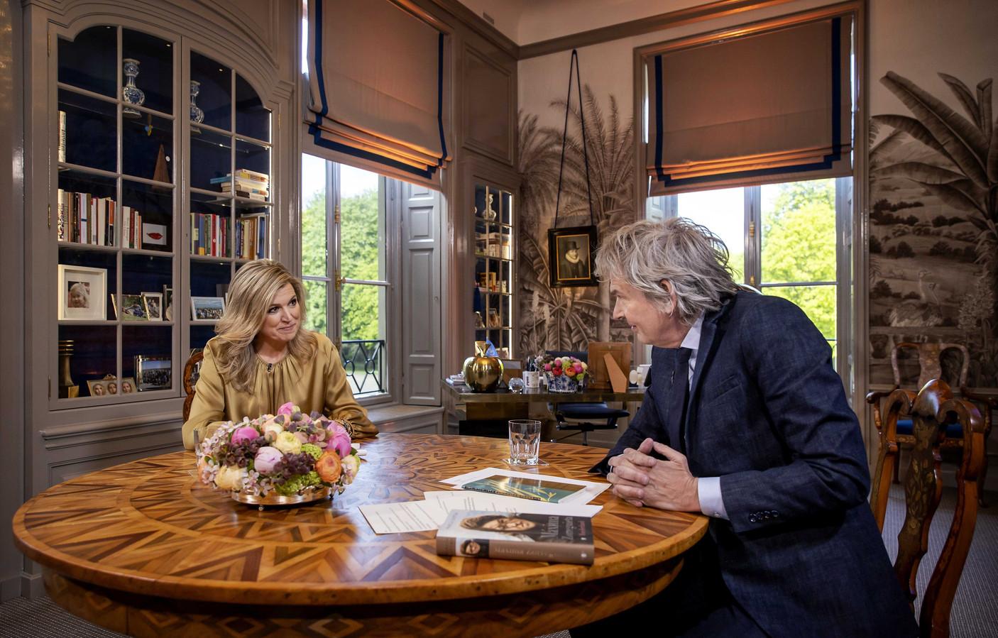 Koningin Maxima tijdens een interview met Matthijs van Nieuwkerkter gelegenheid van haar 50everjaardag.NOS Máxima is vanavond om 20.35 uur te zien op NPO 1.