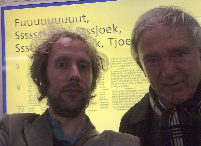 Ronald Snijders en K. Schippers op Amsterdam Centraal Station in 2009. Beeld