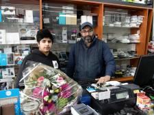 Overvaller richt pistool op winkeleigenaar en 15-jarige zoon in Nieuwleusen: 'Oh, wat was ik bang'