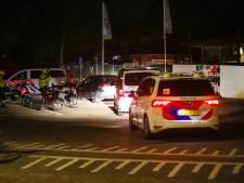 Avondklok negeren, geen rijbewijs, dronken onderweg én agent meppen: stel maakt het bont in Apeldoorn