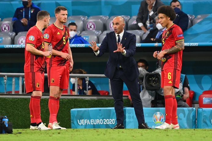 MUNICH, GERMANY - JULY 02 : Thomas Vermaelen defender of Belgium, Jan Vertonghen defender of Belgium, Roberto Martinez head coach of Belgian Team, Axel Witsel midfielder of Belgium during the 16th UEFA Euro 2020 Championship Quarter-Final match between Belgium and Italy on July 2, 2021 in Munich, Germany, 2/07/2021 ( Photo by Vincent Kalut / Photonews