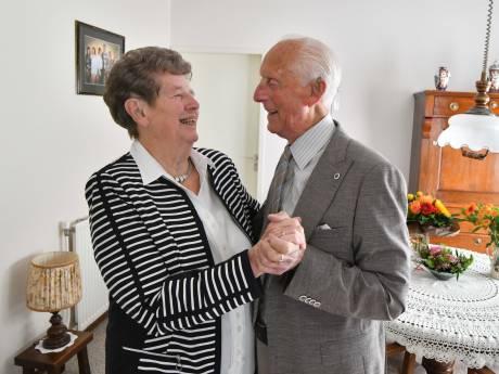 Echtpaar uit Markelo viert al dansend 70-jarig huwelijk