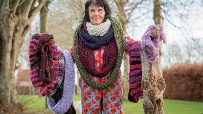 """Annie maakte in 2018 liefst 240 sjaals voor Kinderkankerfonds: """" Elke dag gebreid om belofte waar te maken"""""""